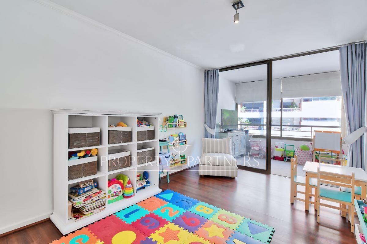 8 de 12: Dormitorio niños 1
