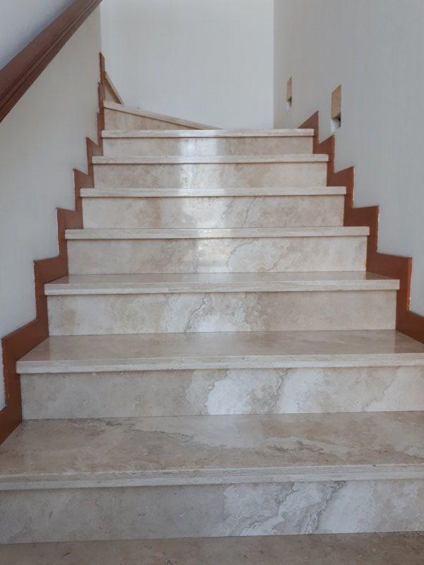 10 de 17: escaleras