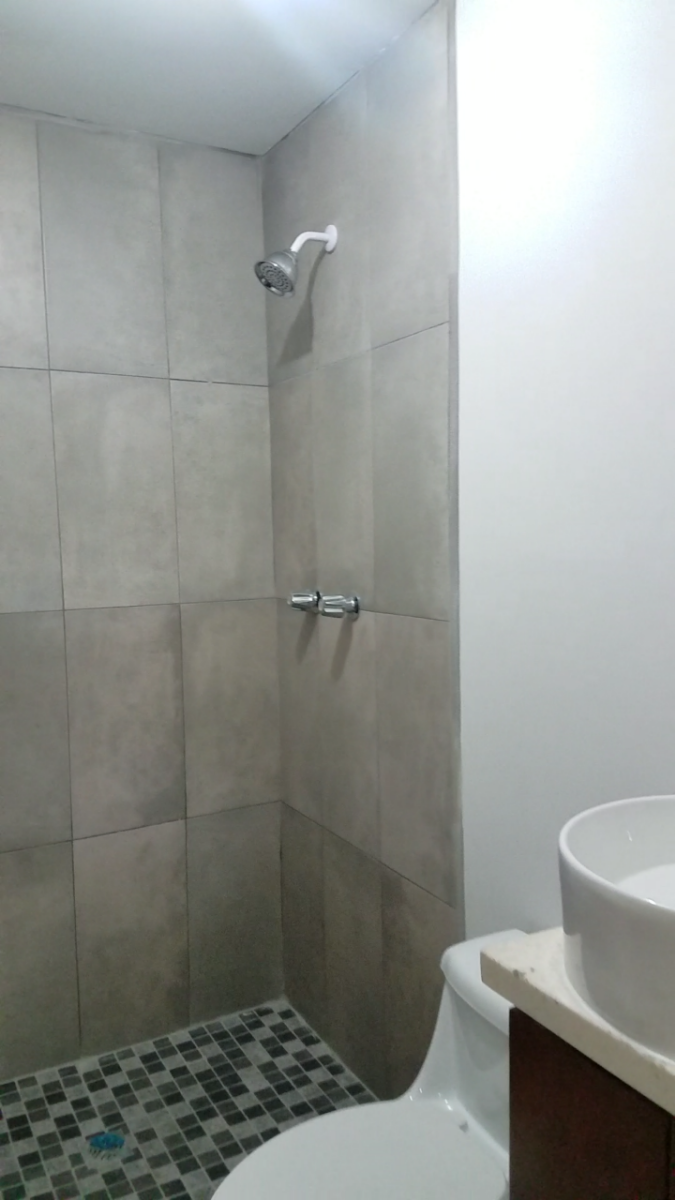 16 de 19: Baño completo