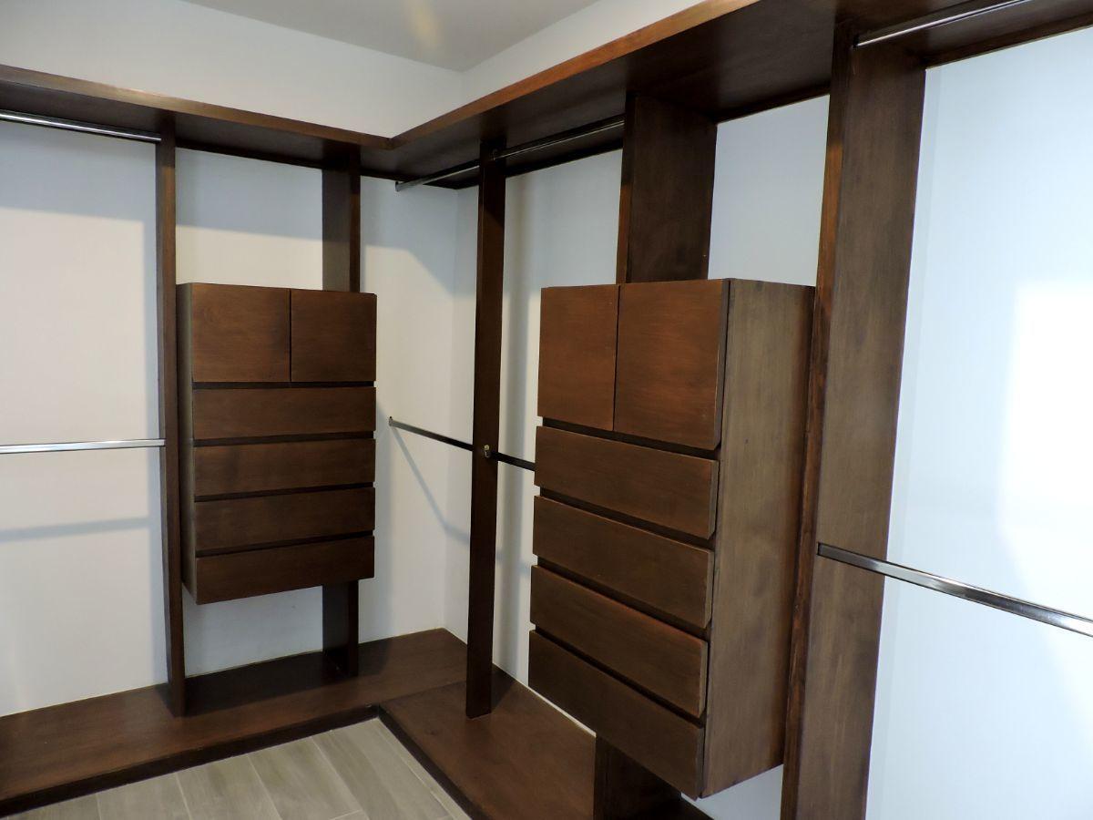 5 de 13: Closet cuarto principal