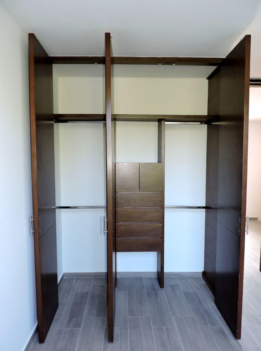 10 de 13: Closet recámara secundaria