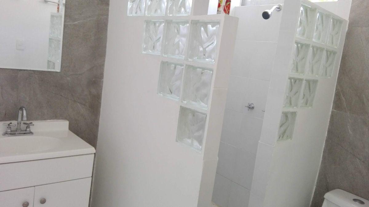 13 de 14: baños completamente remodelados