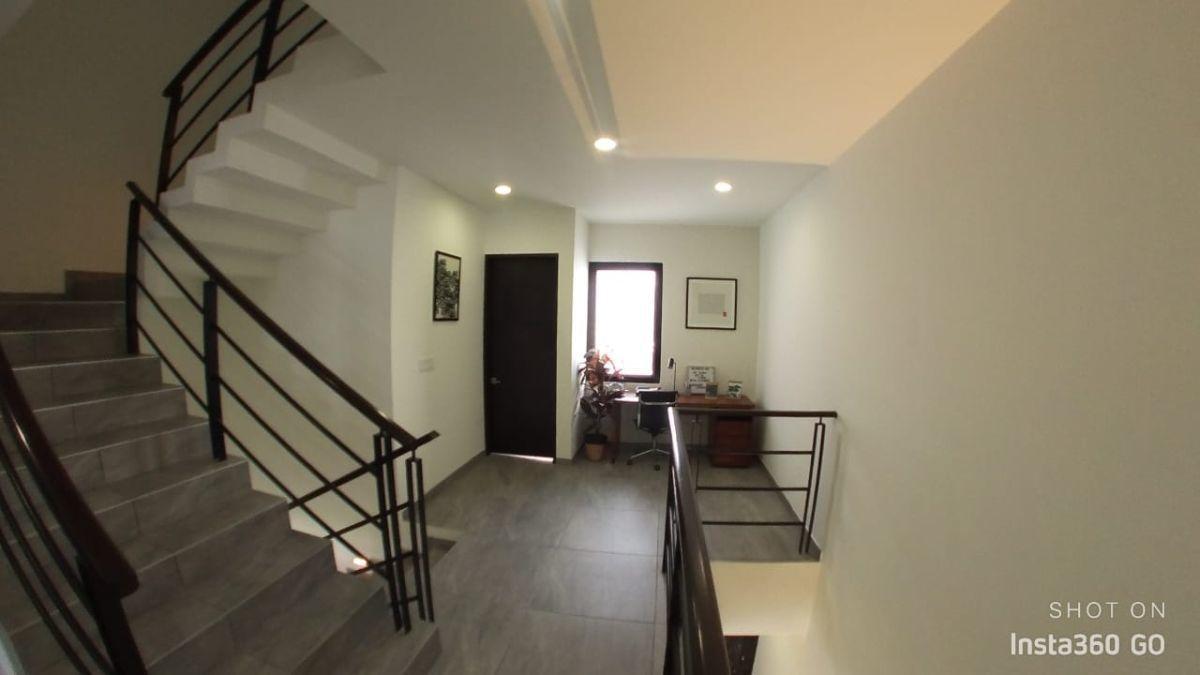 16 de 29: Pasillo 2do piso
