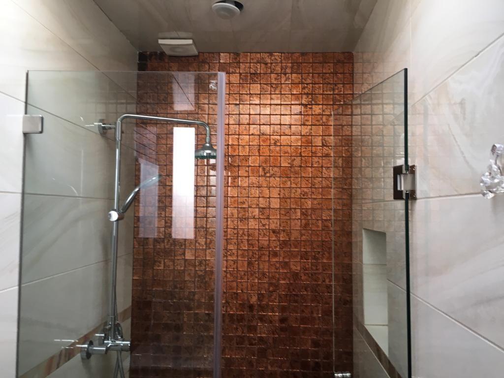 10 de 16: Baño principal