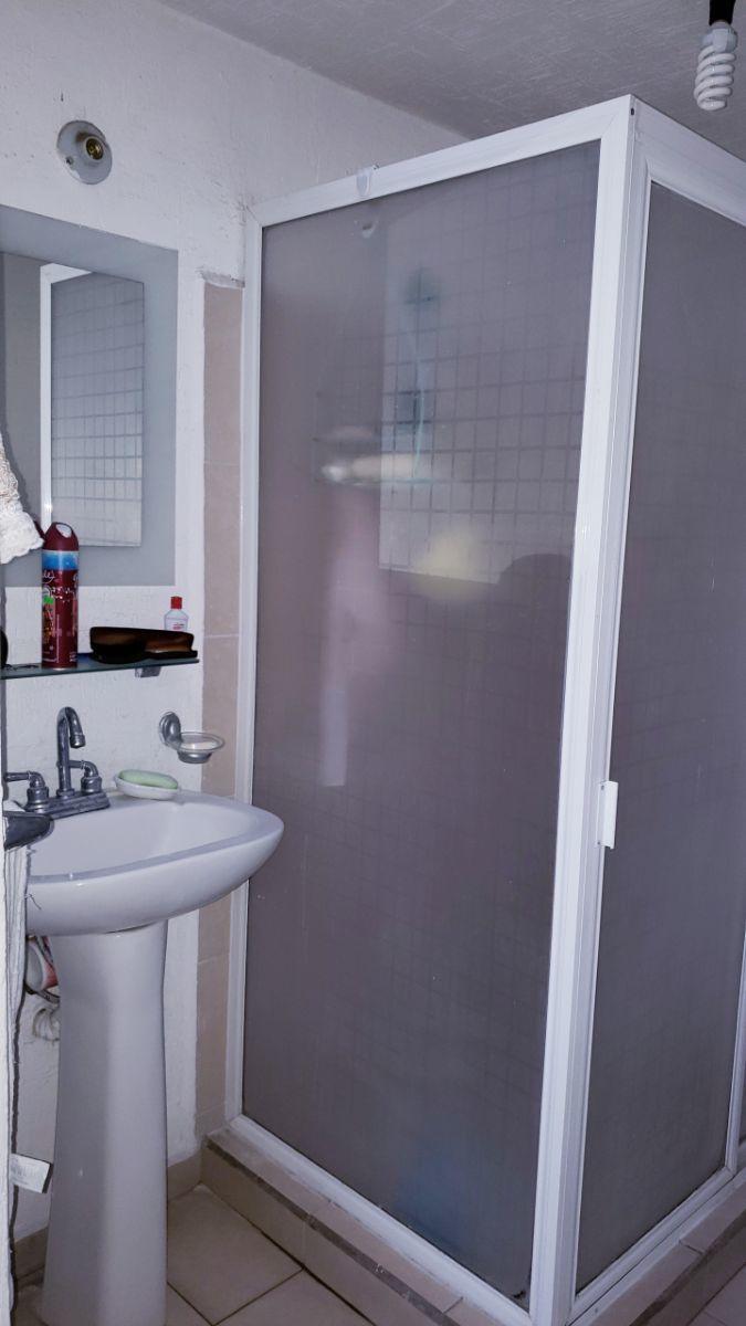 5 de 8: baño planta alta