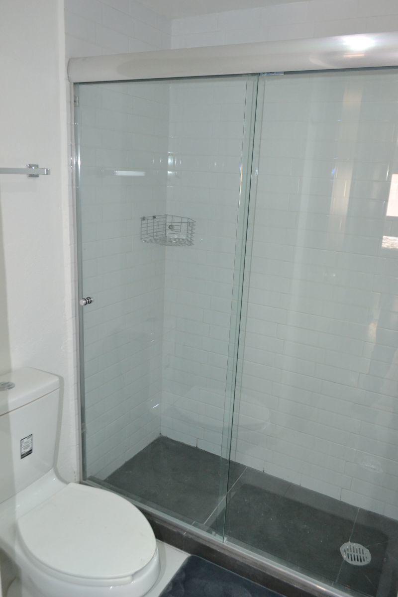 14 de 17: Baño Recámara Principal