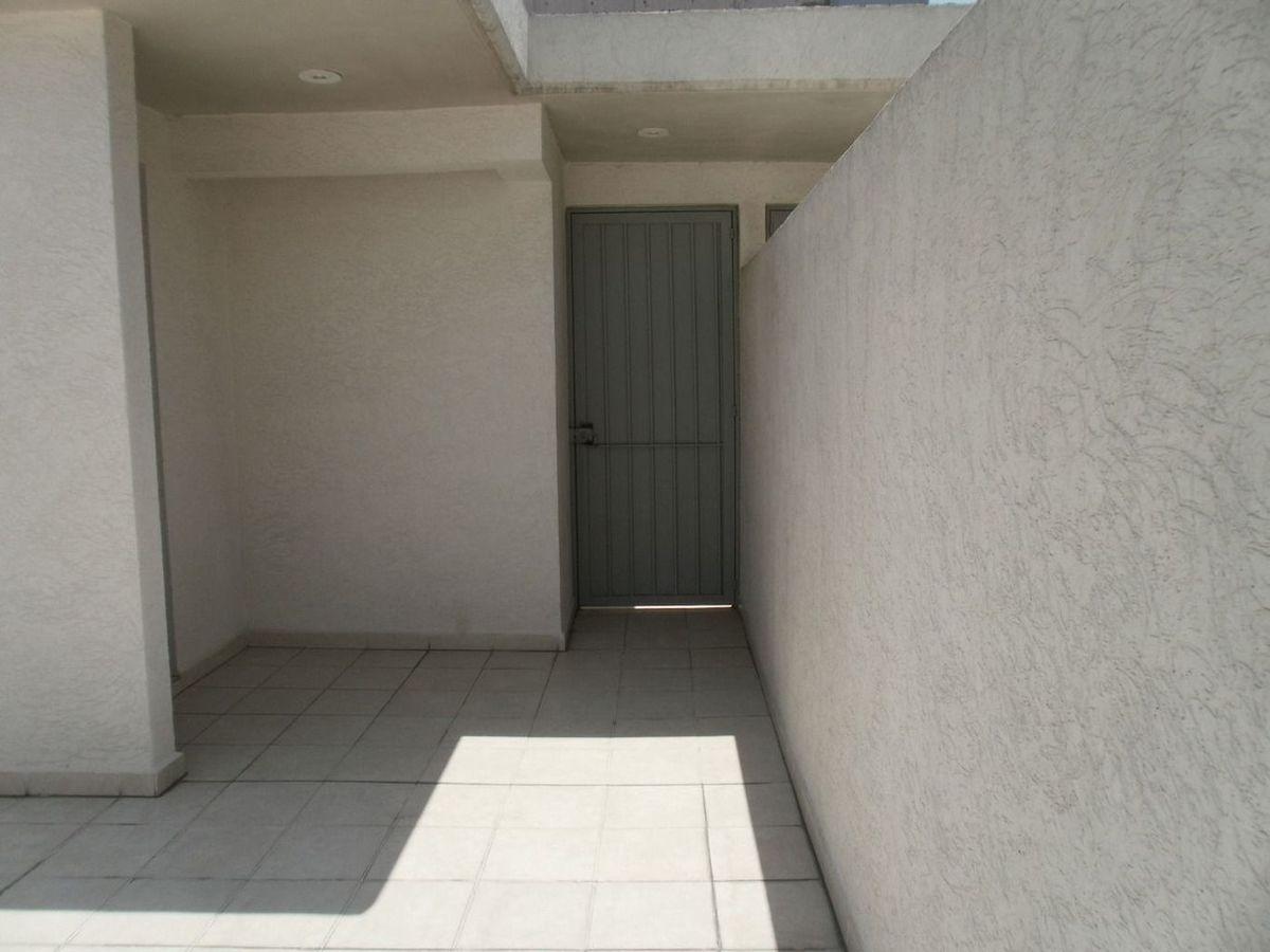 24 de 26: entrada a roof