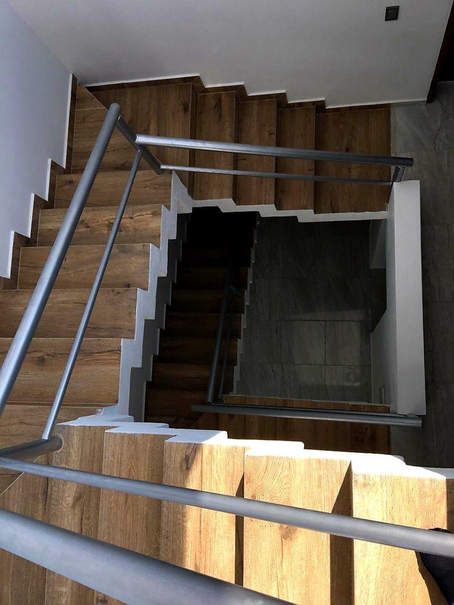 7 de 12: escalera