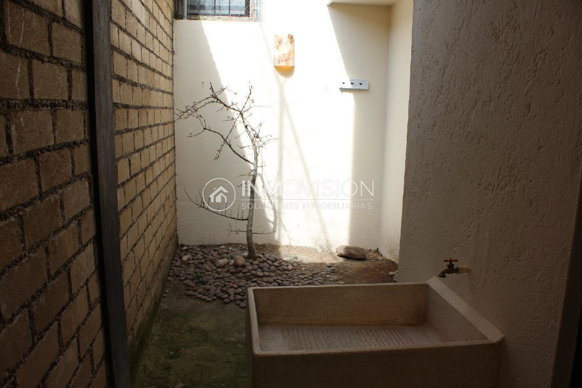 19 de 34: Área de lavado techada