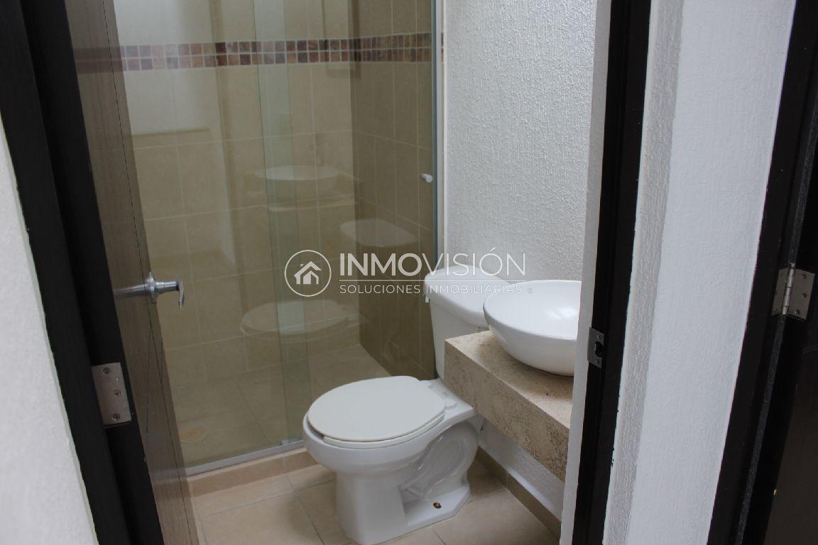 27 de 34: Interior baño compartido para 2 recámaras