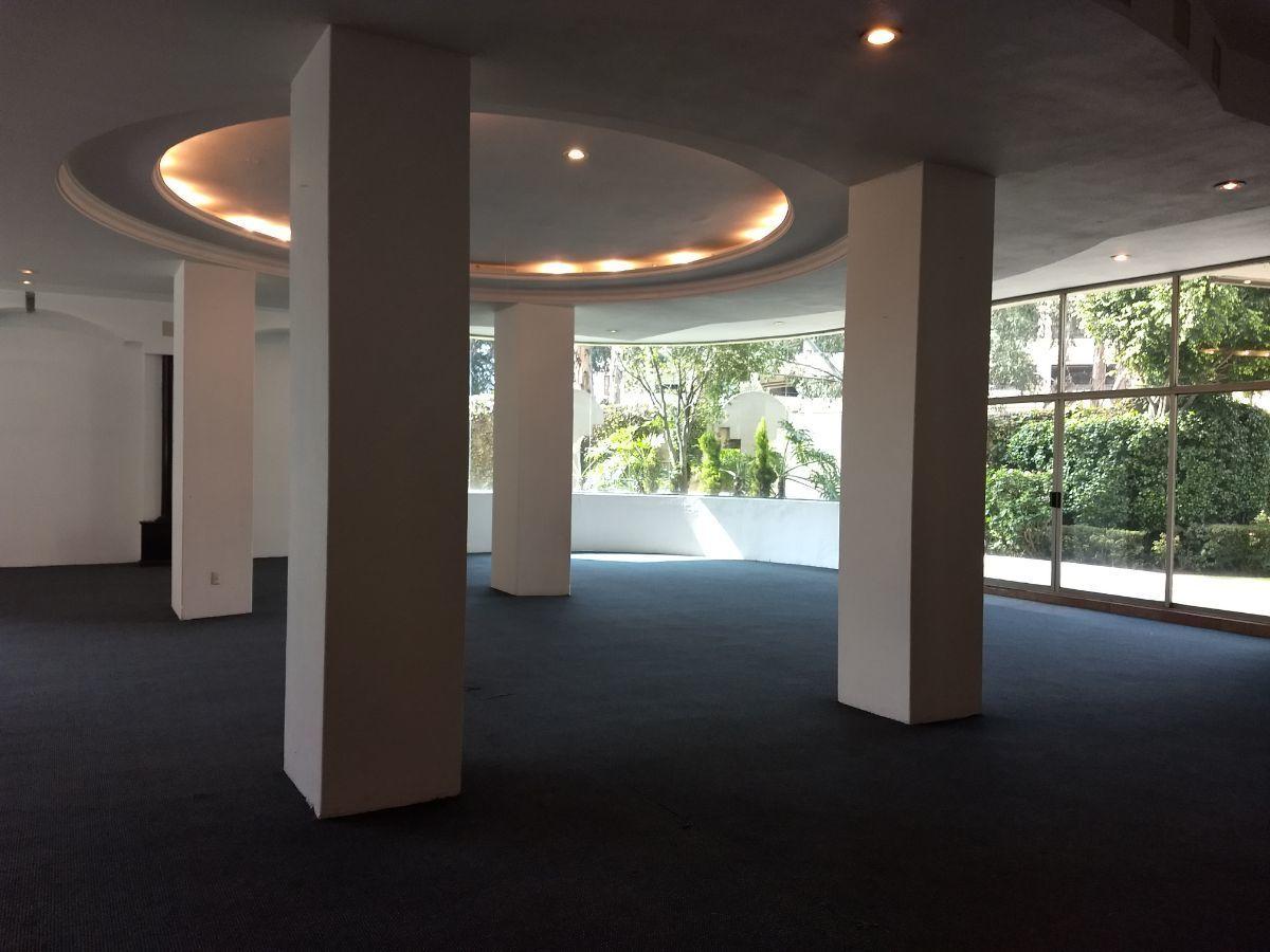 35 de 46: Salón de eventos