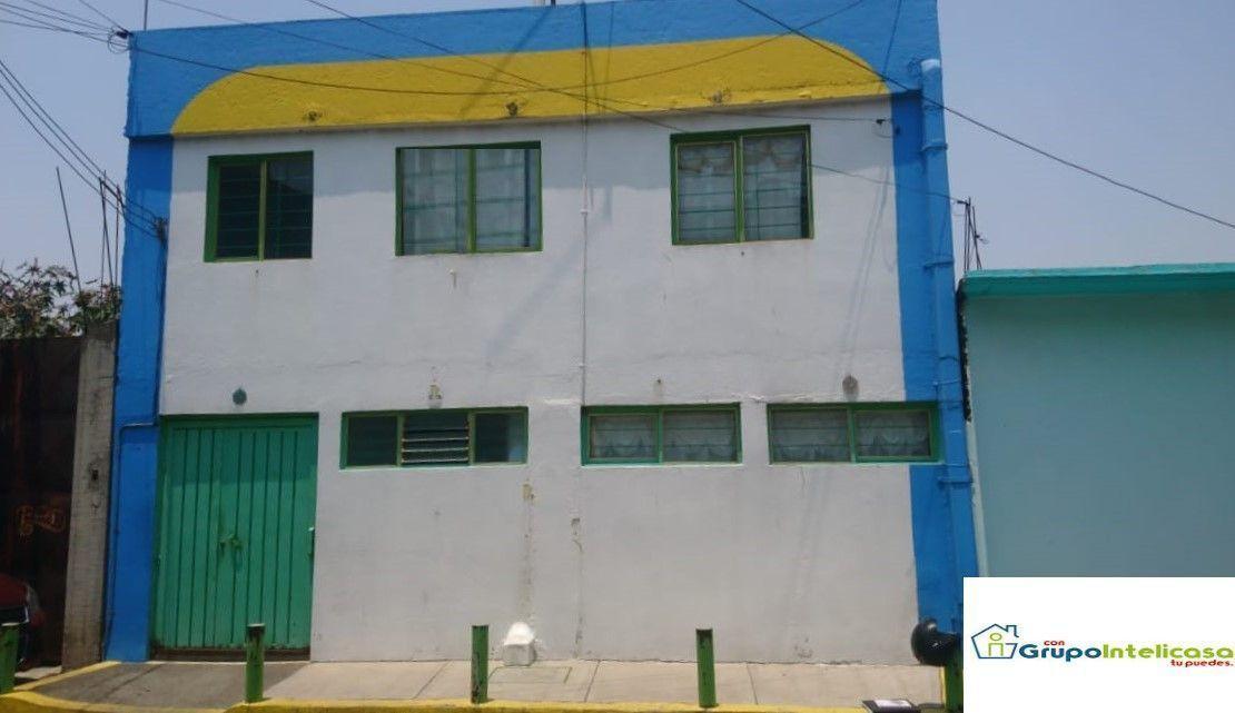 2 de 16: Fachada de acceso principal