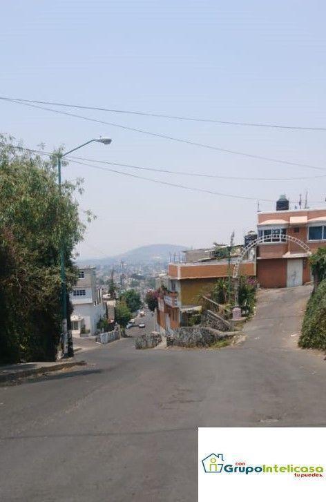 12 de 16: Vista de calle que desemboca a Calz. Ermita Iztapalapa