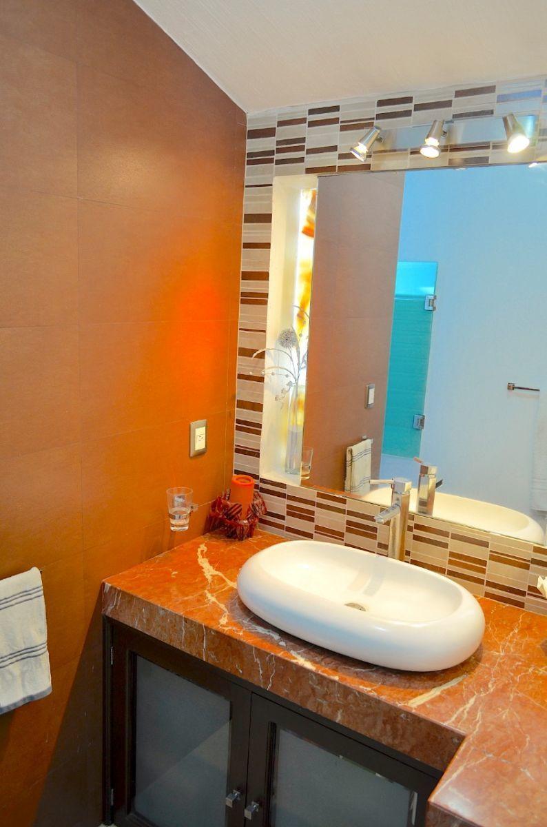 29 de 37: Baño en 3er habitación.