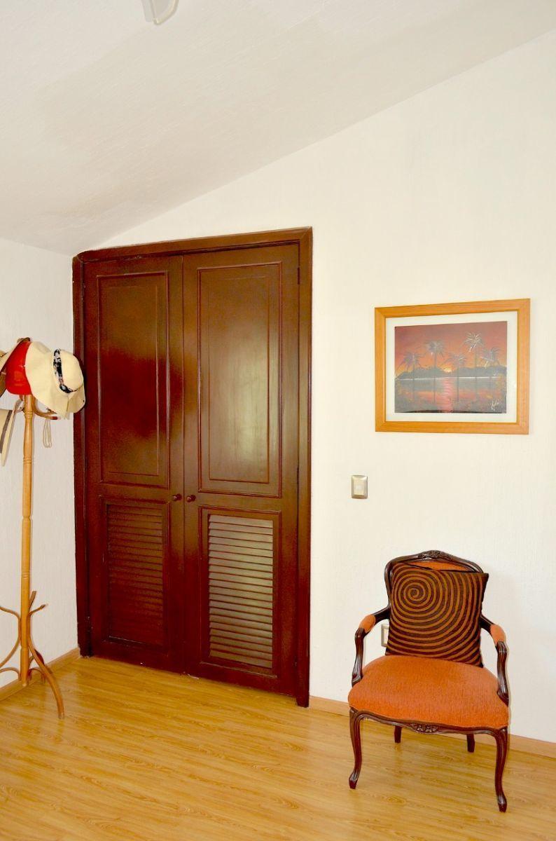 37 de 37: Closeth en 3er habitación.