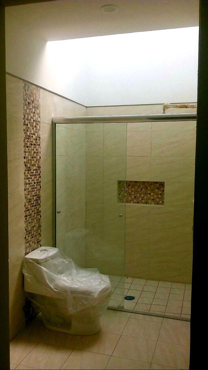 13 de 19: baño recámara principal