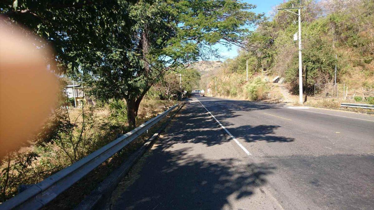 24 de 34: Carretera Litoral km 53 hacia Rio El Zonte