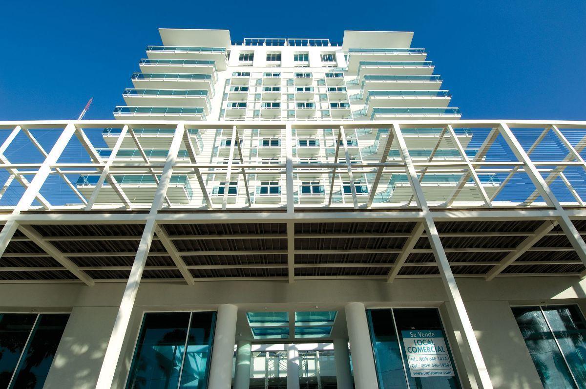 3 de 22: Vista frontal de la Torre Veiramar