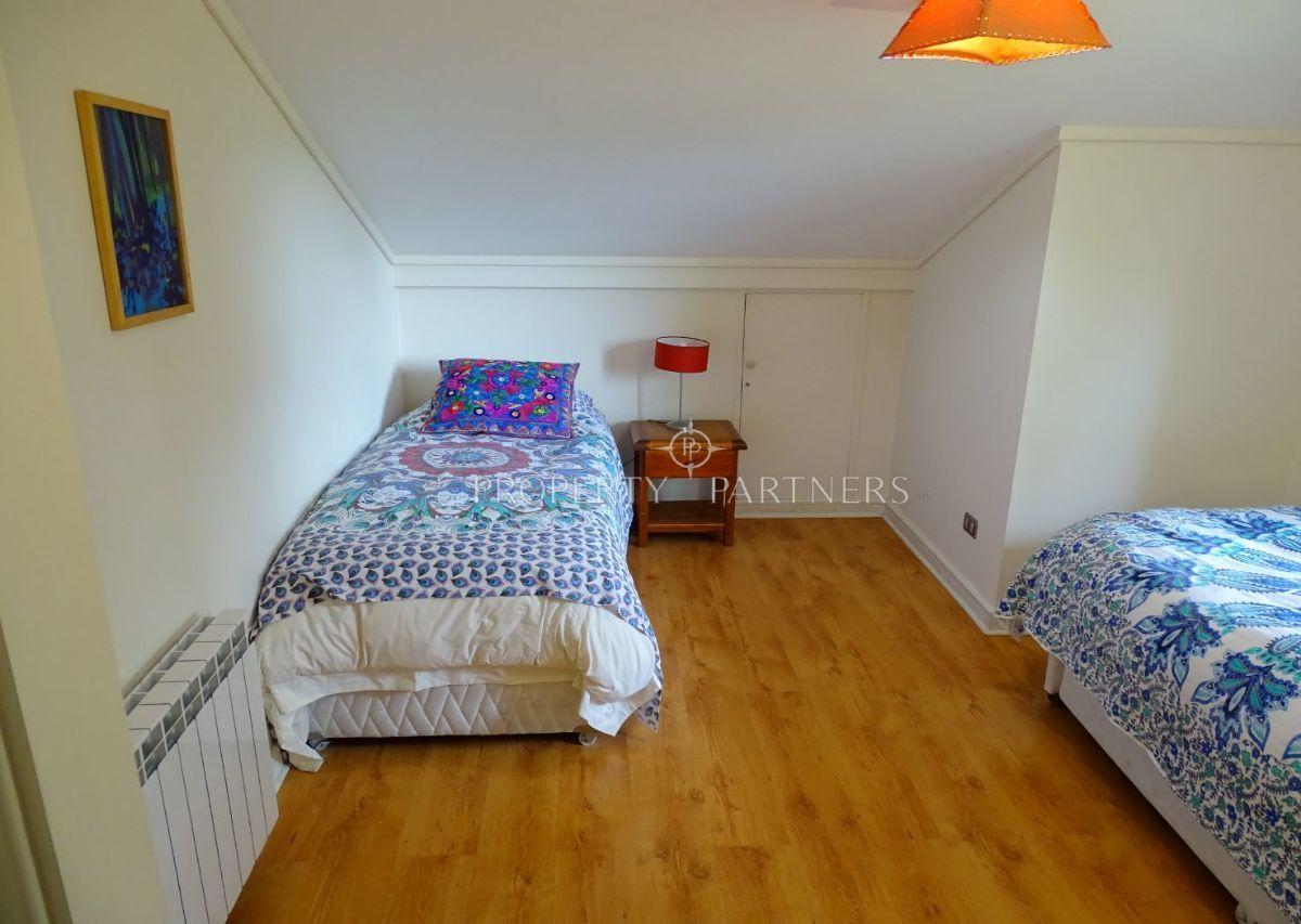 16 de 24: Dormitorio