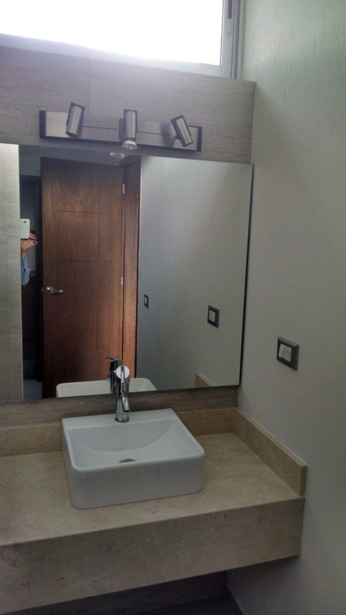 2 de 11: Marmol en cubiertas de baños