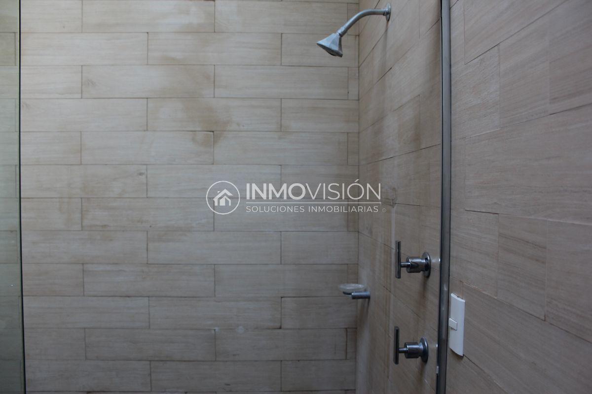 26 de 44: Interiores baño recámara secundaria