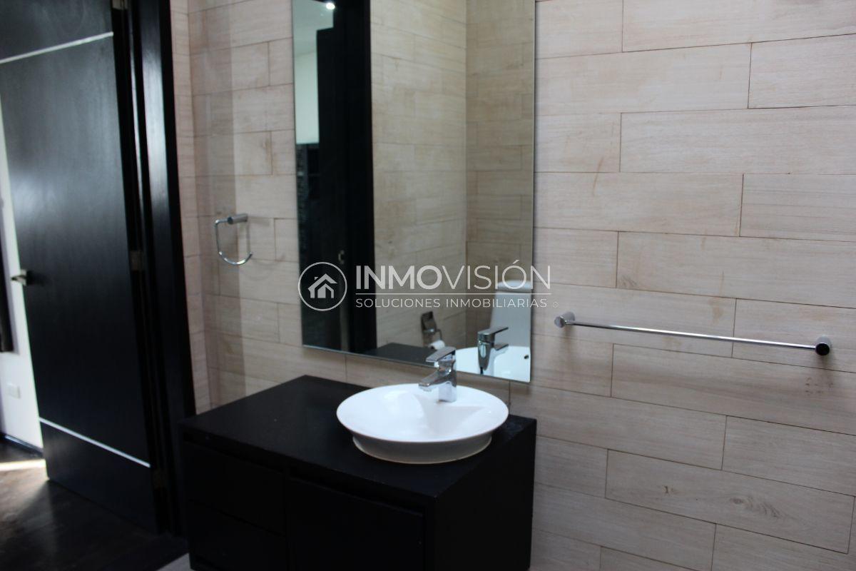 27 de 44: Interiores baño accesorios helvex