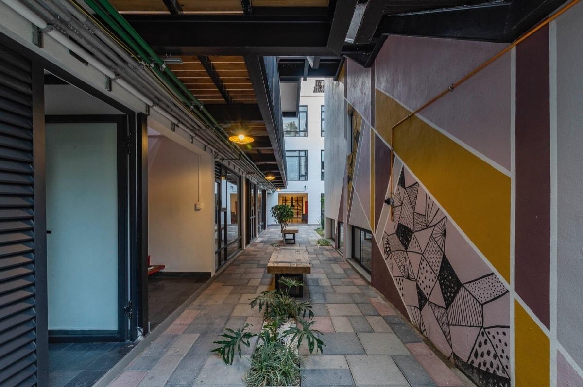 19 de 24: pasillos áreas comunes