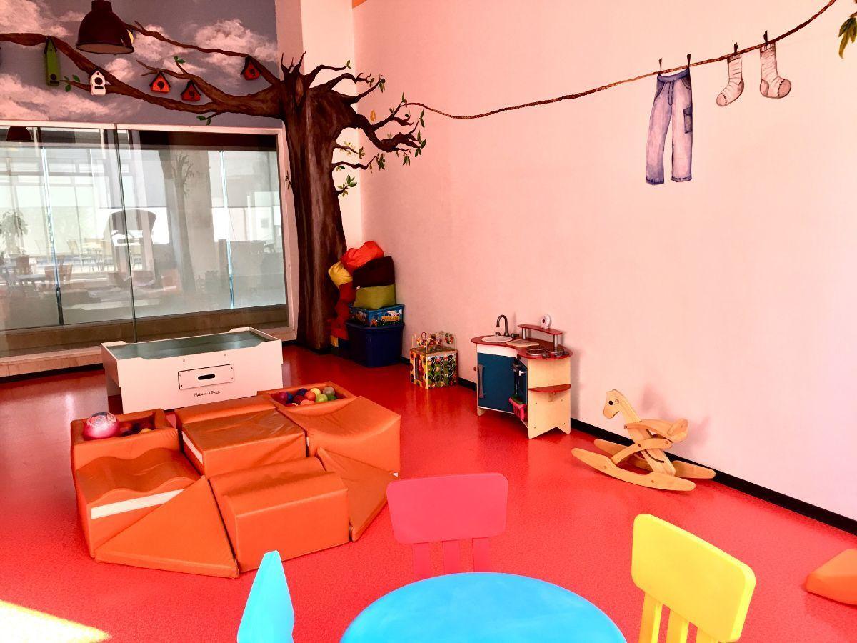 24 de 30: Salón de niños