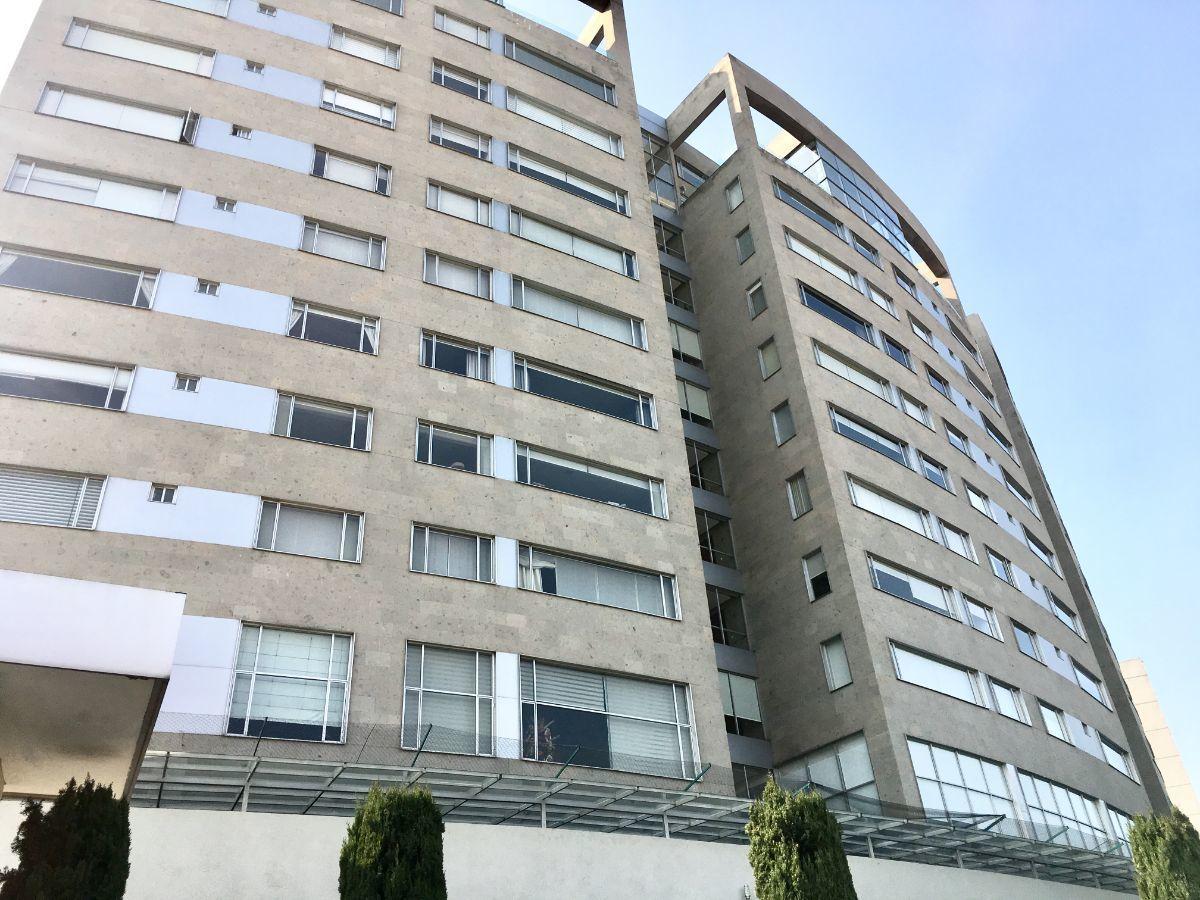 2 de 30: Vista Principal del Edificio
