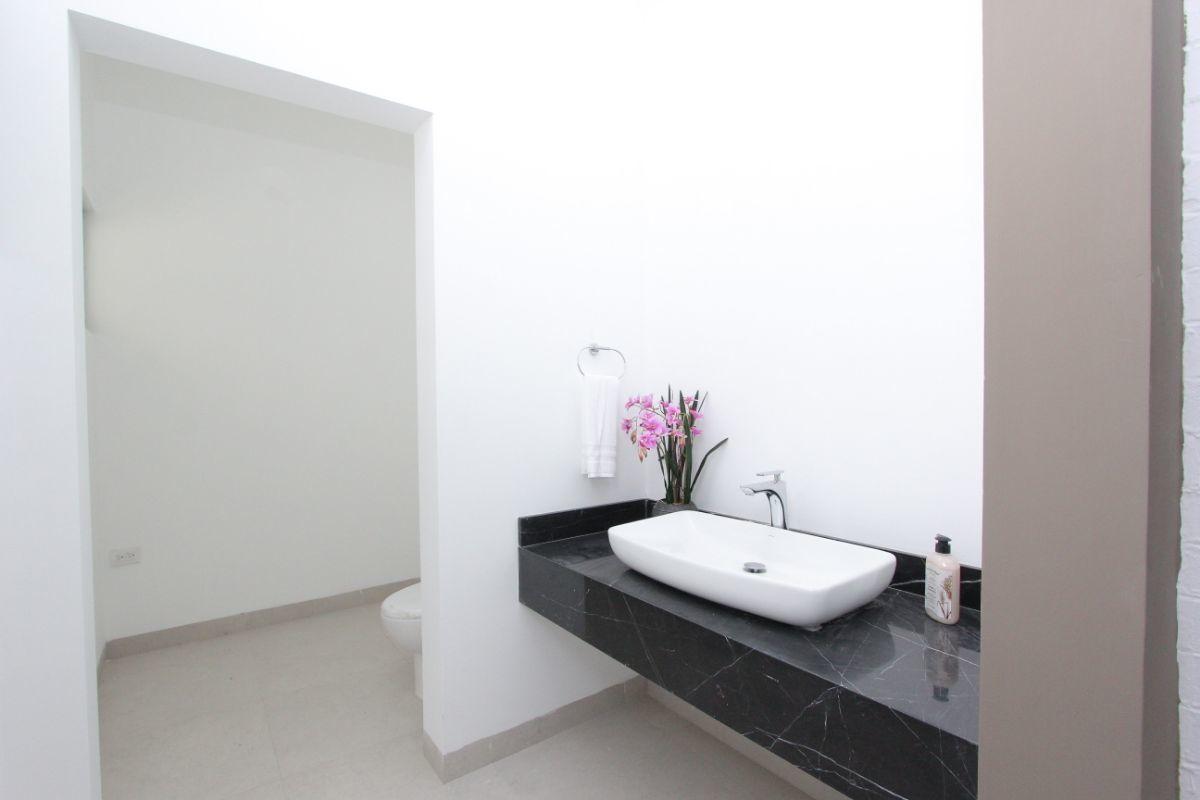 5 de 18: Medio baño visitas