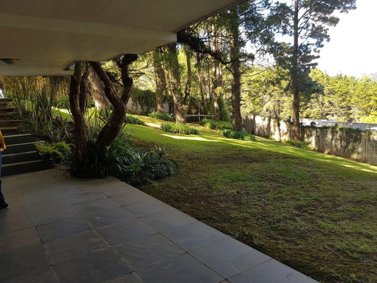 1 de 9: Jardin