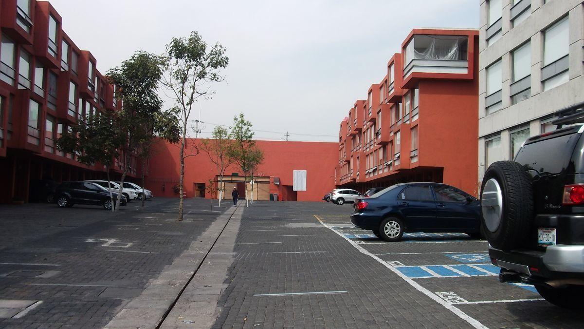 1 de 31: estacionamiento