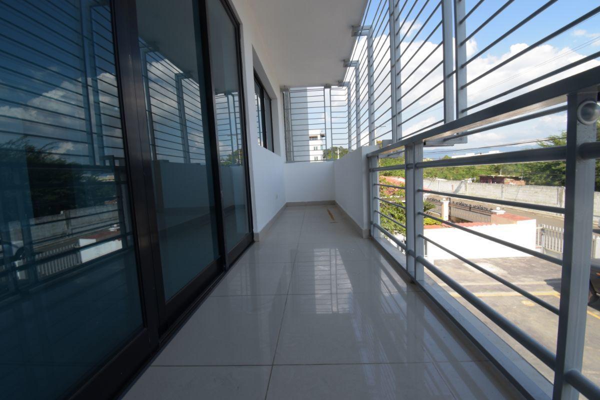 3 de 11: Balcón