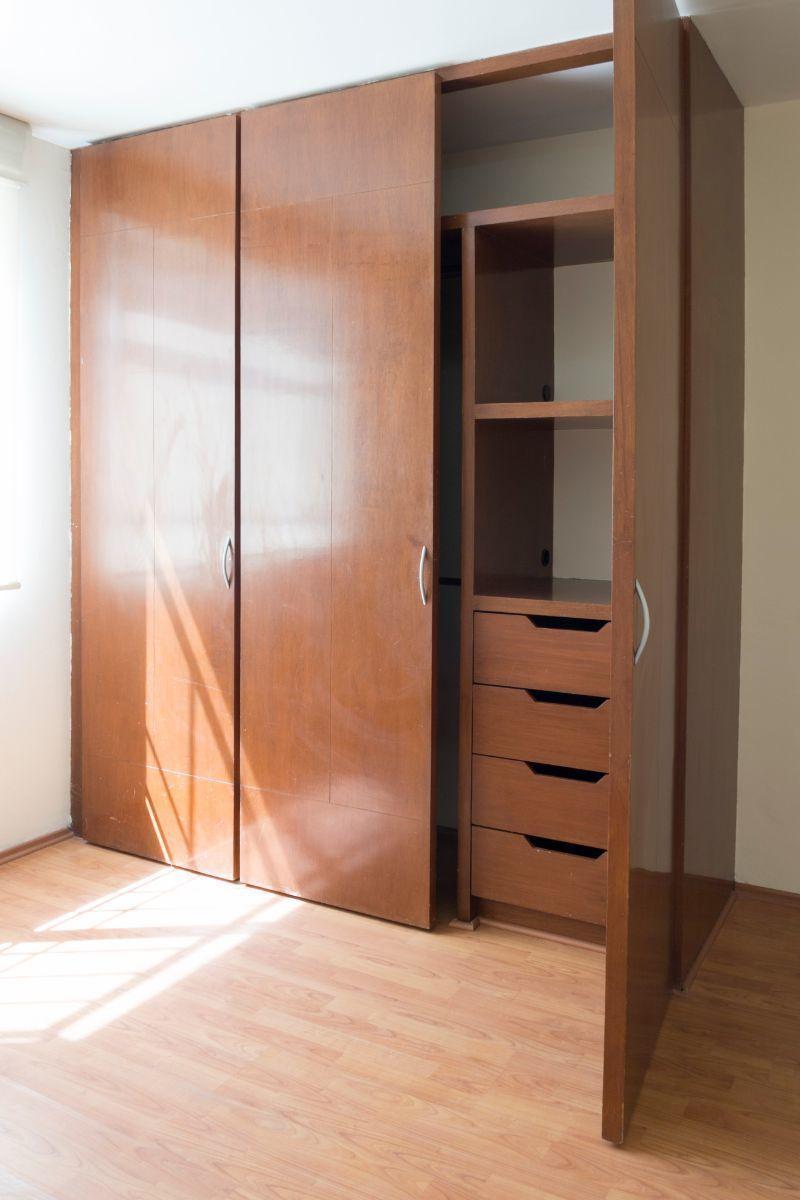 7 de 12: Closet