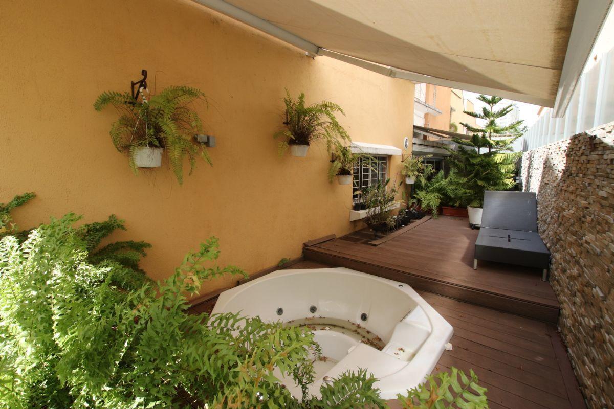 Jacuzzi En El Patio.Vendo Casa De 3 Hab En Proyecto Cerrado Con Jacuzzi