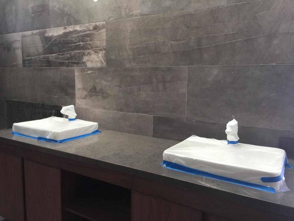 15 de 29: baño con doble ovalin