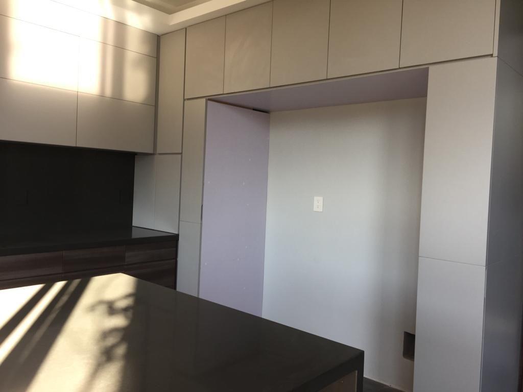 11 de 29: Espacio en cocina del refrigerador
