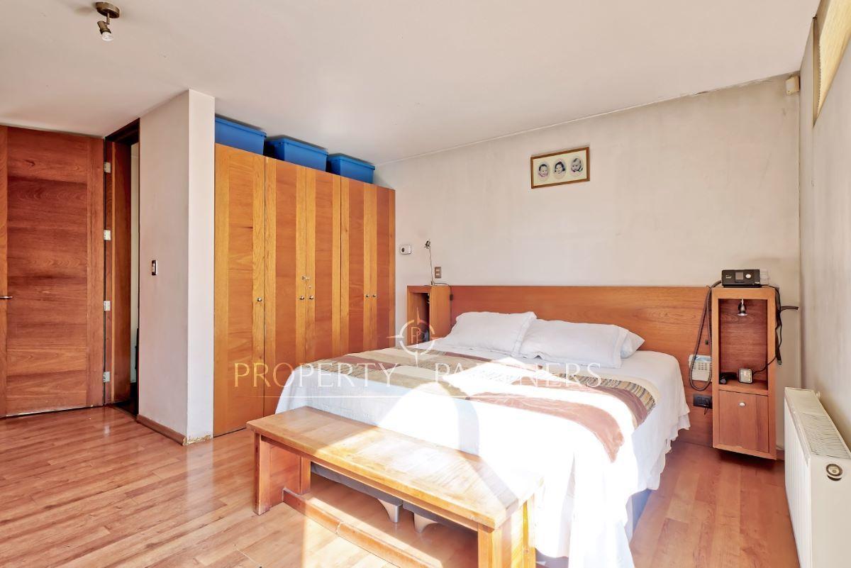 8 de 18: Dormitorio principal