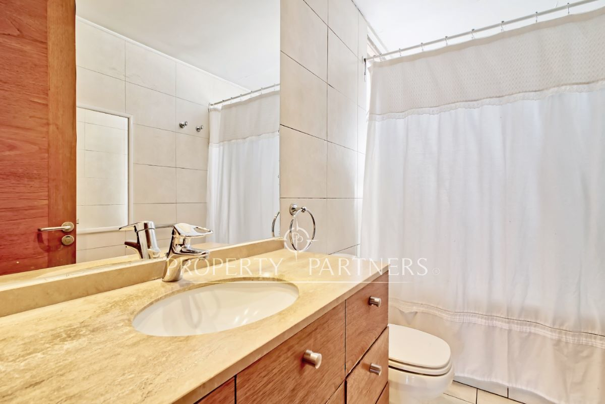 10 de 18: Baño dormitorio principal