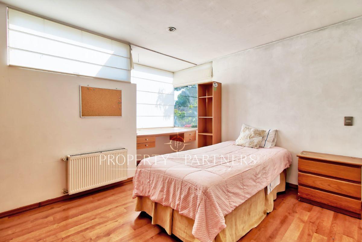 11 de 18: Dormitorio segundo piso