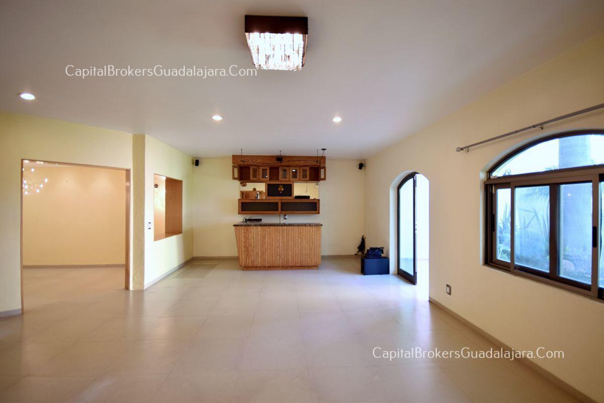 Casa Dentro De Coto En Villa Palmas