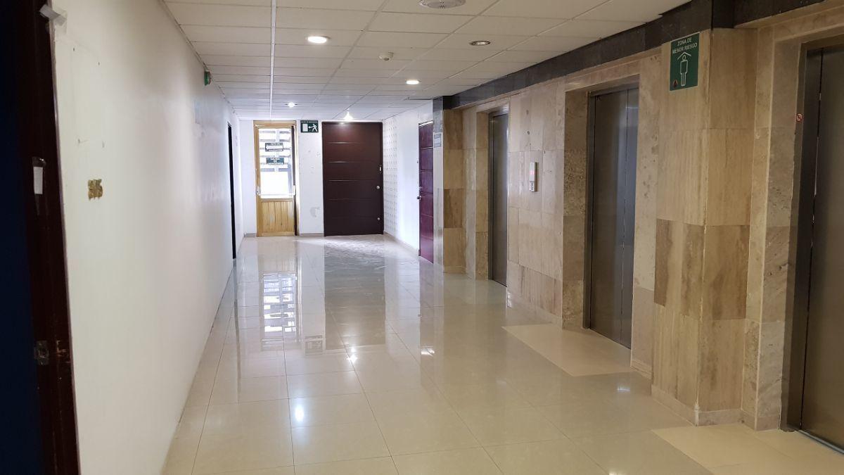 15 de 25: elevadores en piso
