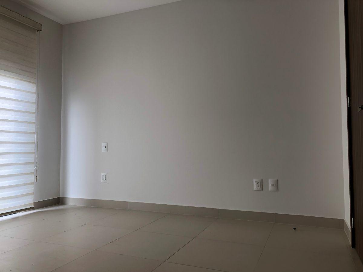 12 de 34: habitación 1