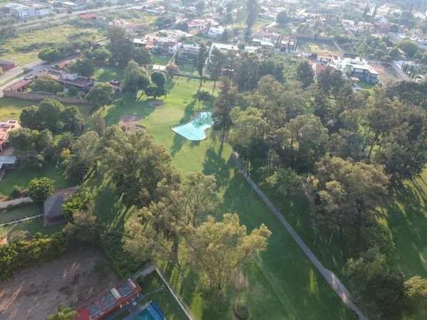 40 de 43: vista aérea de las colindancias