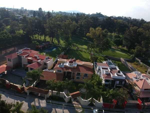 43 de 43: vista aérea fachada principal
