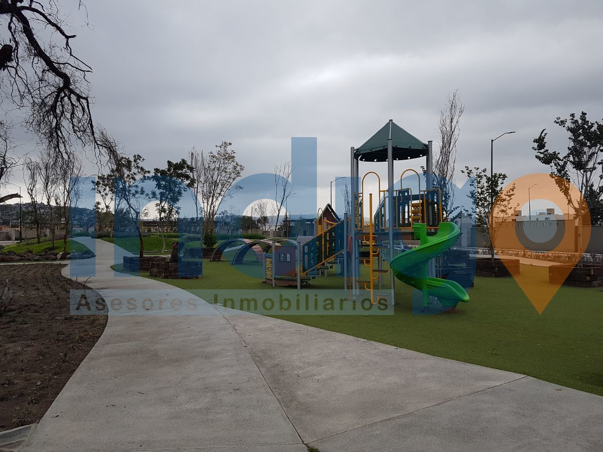 8 de 9: Áreas verdes comunales por coto y avenidas principales.