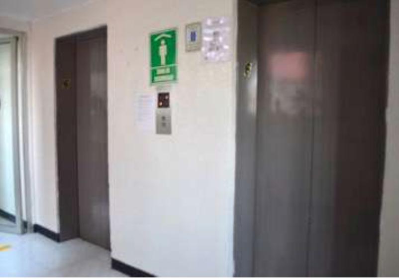 4 de 8: Vestíbulo de elevadores