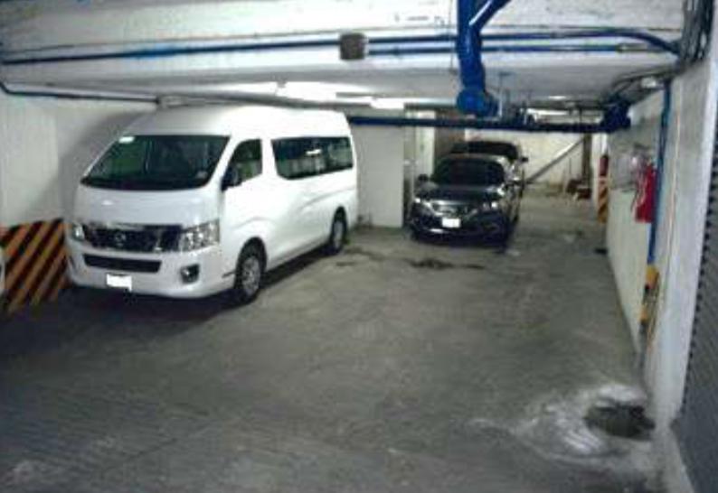 8 de 8: Estacionamiento