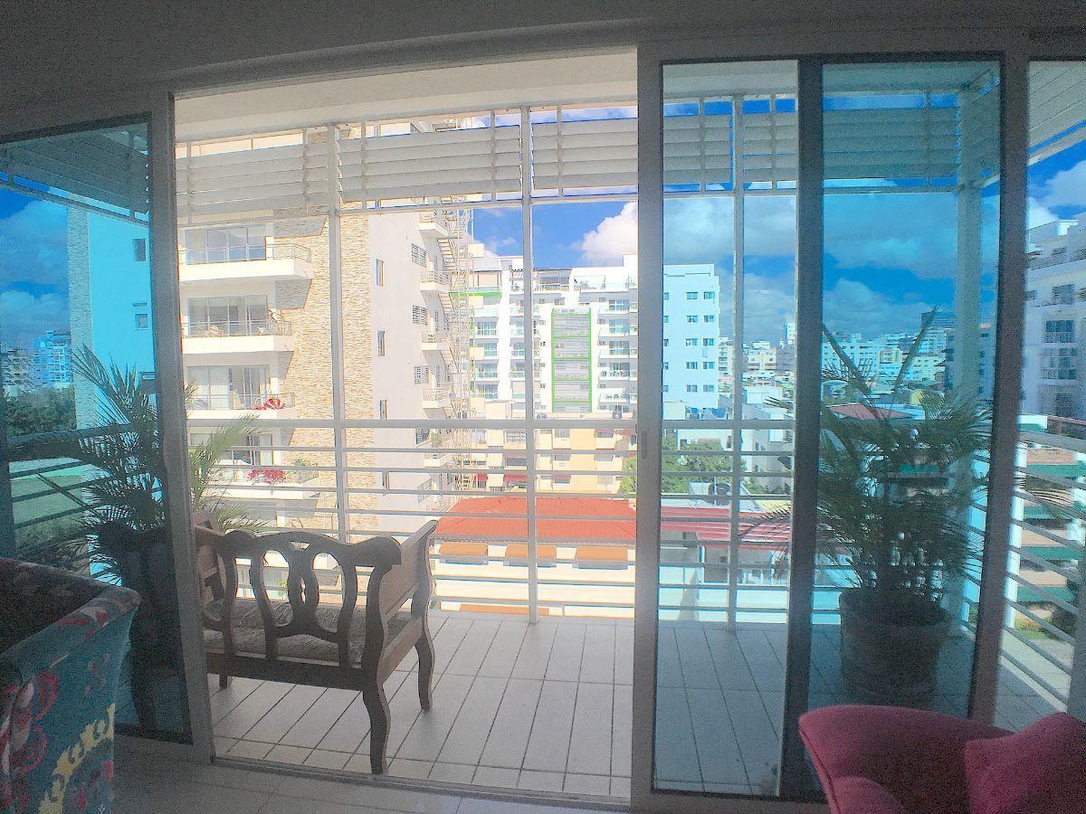 12 de 22: Balcón en el 1er. nivel con buena orientació y vista.