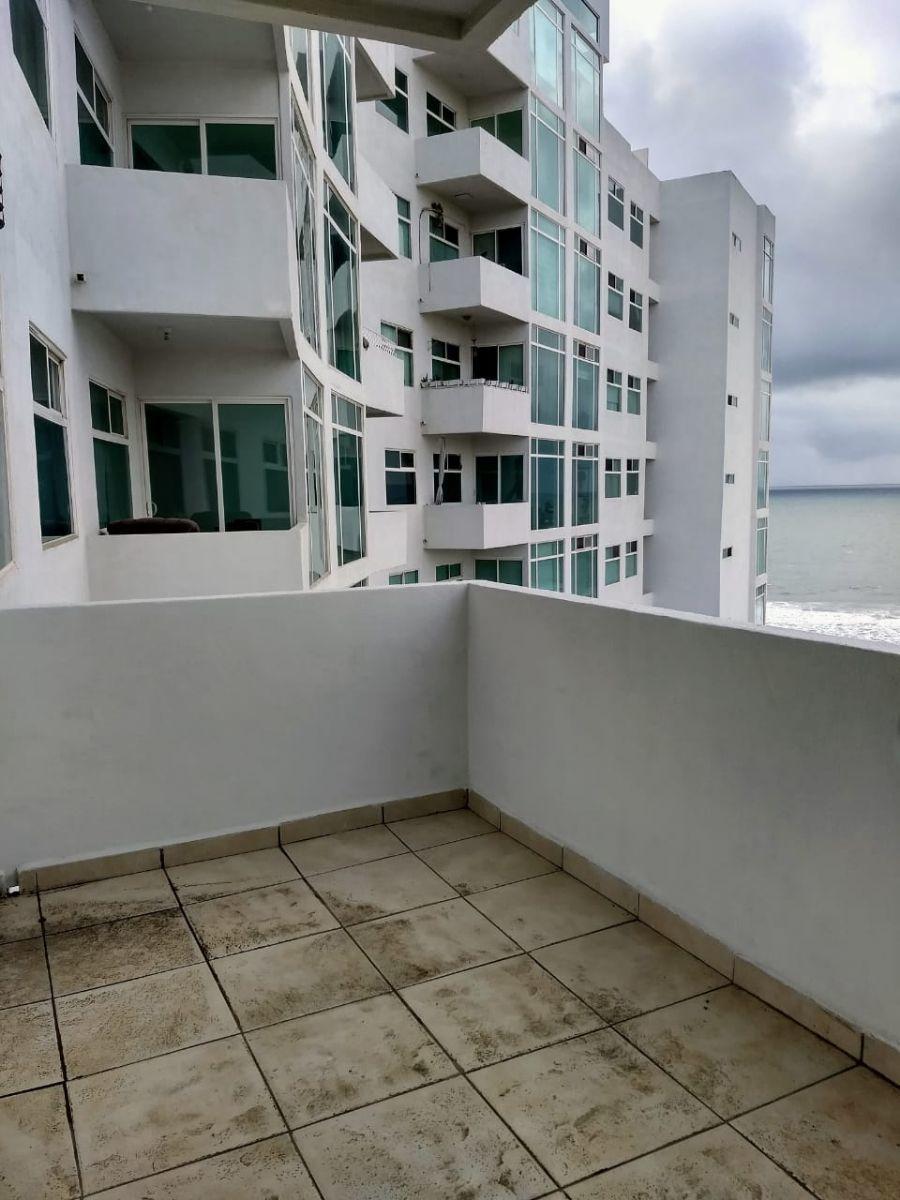 14 de 22: Balcón por fuera